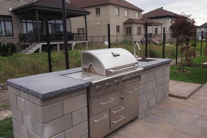 outdoor kitchen - barbecue